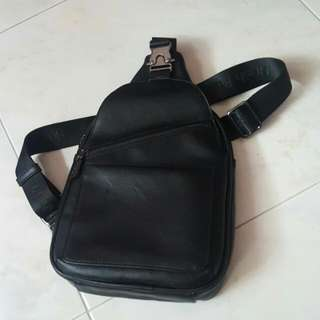 Hush Puppies Small Sling/single Strap Black Leather Backpack