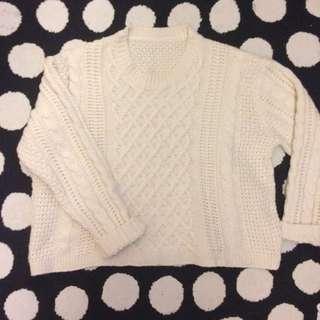 含運❤️白色短版毛衣