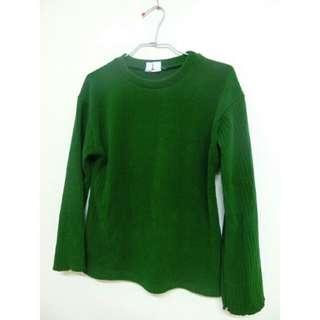 綠色針織長袖