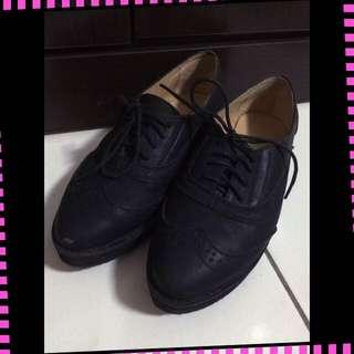 👠厚底黑色牛津鞋
