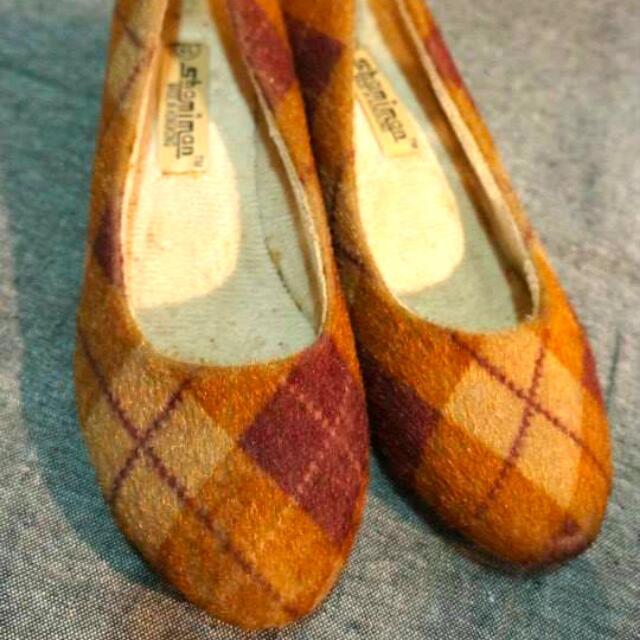 撞色菱格紋低跟鞋 娃娃鞋