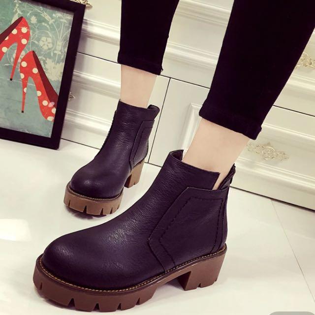 全新黑色短靴 含運