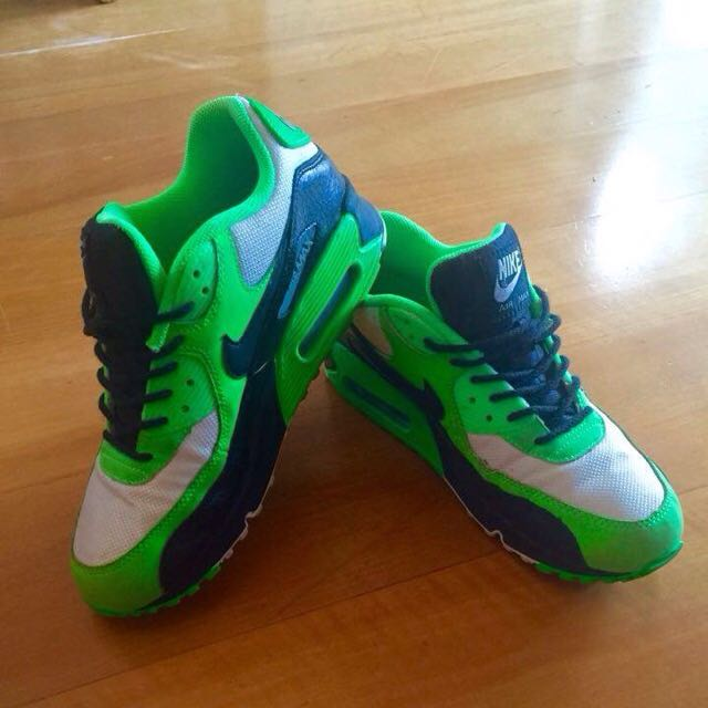 Nike Air Max. Been Worn. great Condition. Super Comfy. Size 7