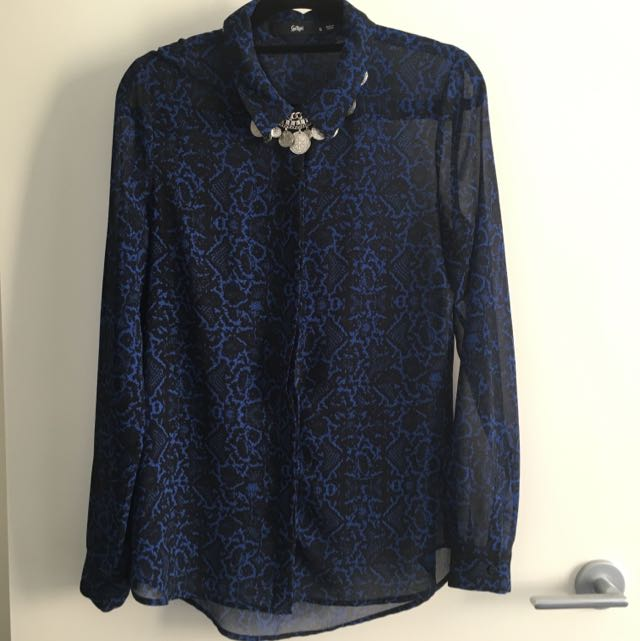 Black and blue collared dress shirt