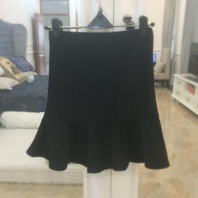 3 For 100.000-Black Mermaid Skirt