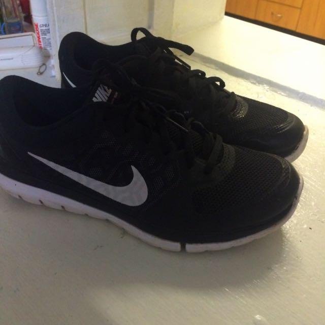 Black Nike Free Run
