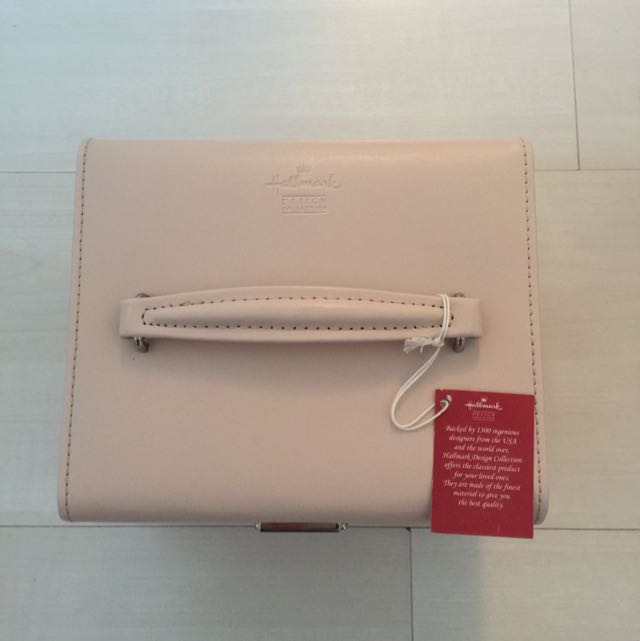 Brand New Hallmark Design Collection Jewelry Box Womens Fashion on