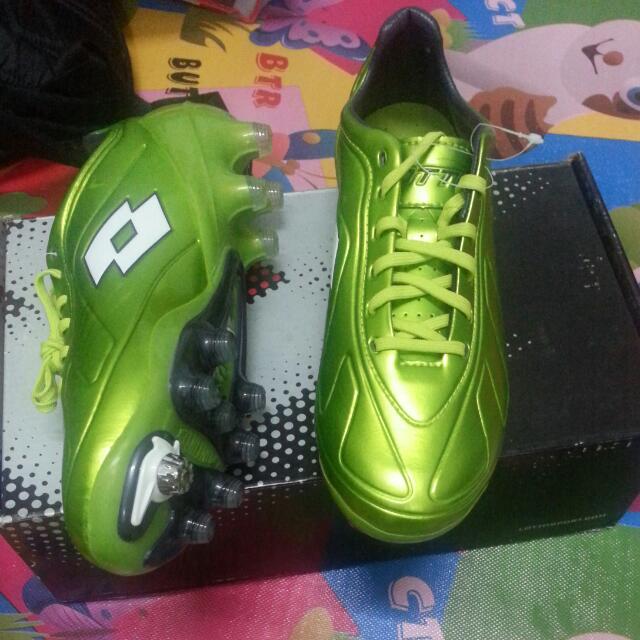 Lotto Futura 100 Football Boots Kasut Bola ccfb3bcd3d7e