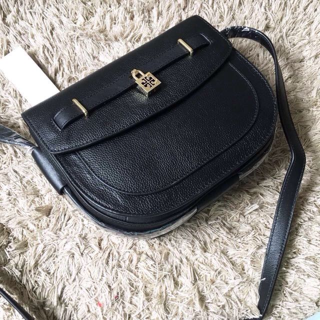 Tory burch double T padlock crossbody bag, 轉扣跨馬鞍斜背包 黑色