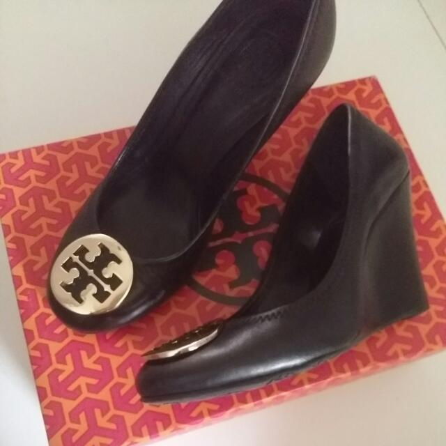 Tory Burch Sophie Wedge In Black And