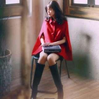 正紅斗篷外套 👍