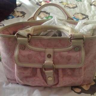 100%真皮名牌包-Celine粉色包包(便宜出售)