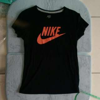 Nike Logo T