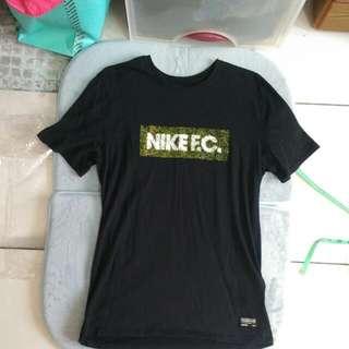 Nike F.C.男生短T