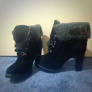 Size 7 . Winter heels. Brand new. Never worn