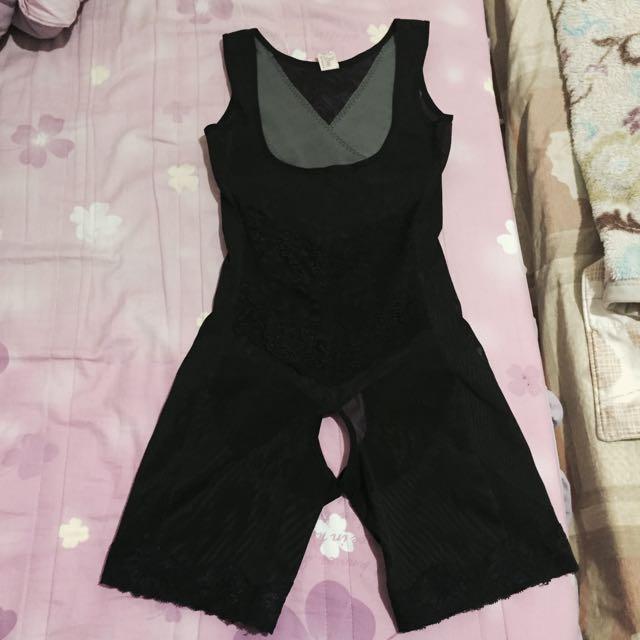 黑色連身塑身衣