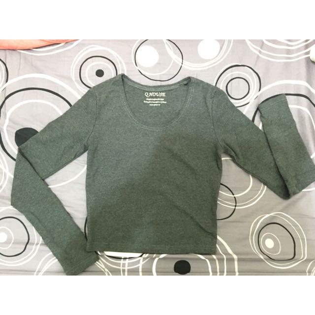 鐵灰色短版長袖