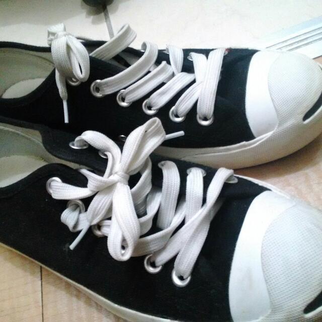 黑色平價帆布鞋