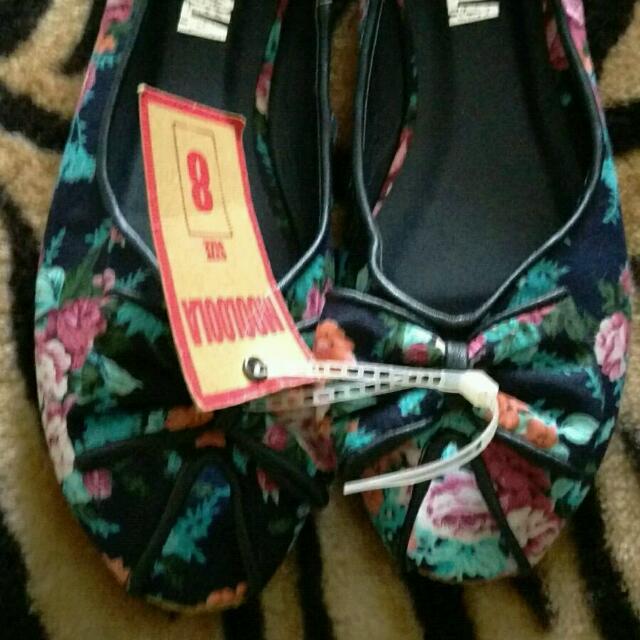 ~ Mooloola ~ Shoes BNWT Size 8