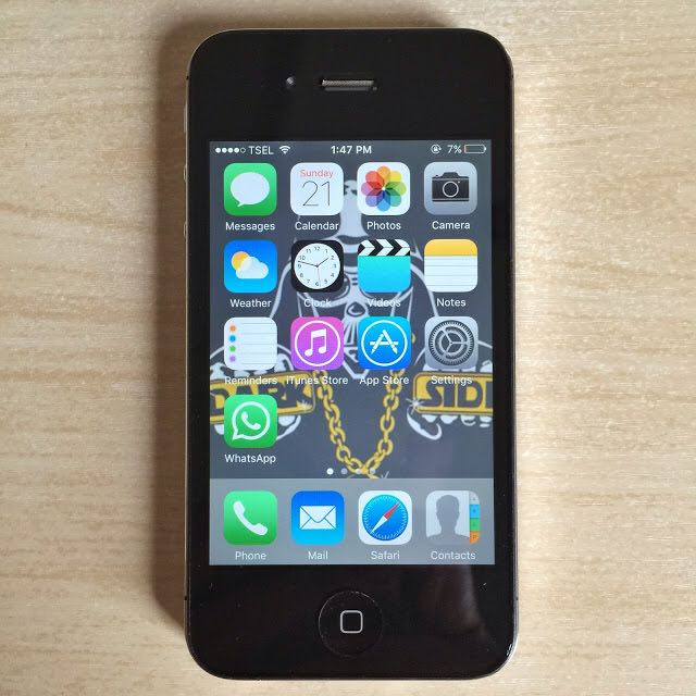 Apple iPhone 4GS 32GB Black GSM