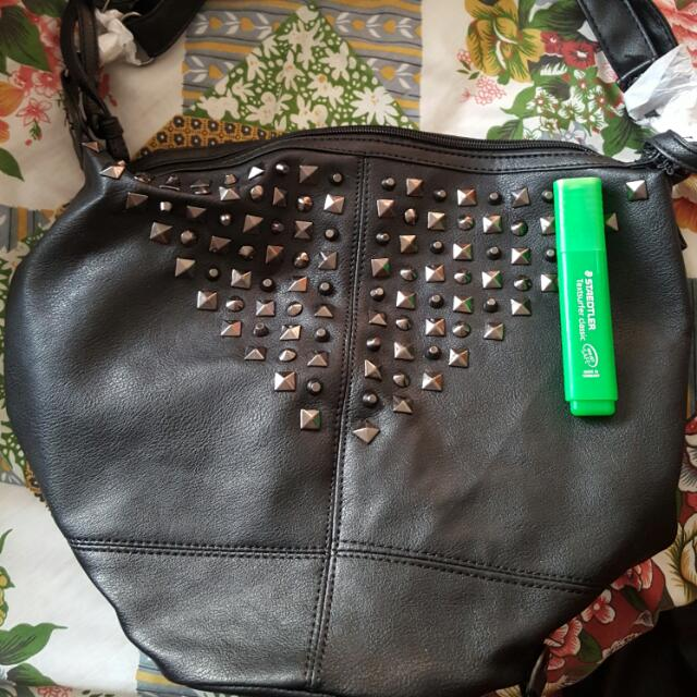 Black Bag With Stud Details New
