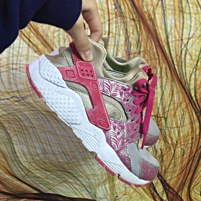 Nike武士鞋23.5(含運)