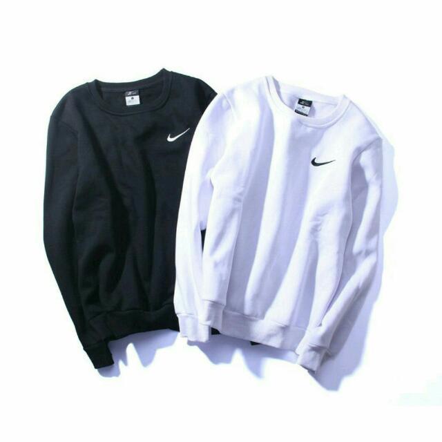 Nike大學T特價900
