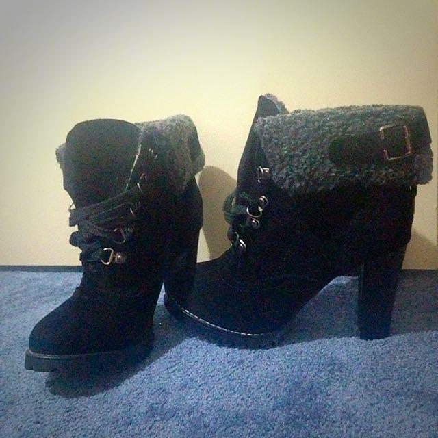 Size 7 . Winter heels. Brand new. Never worn