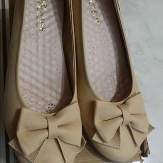 蝴蝶結厚跟鞋