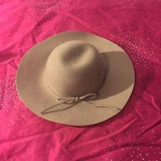 Nude Felt Hat