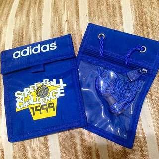 Adidas手機防水套(附掛脖帶子)全新!有2個喲!用不到故出售