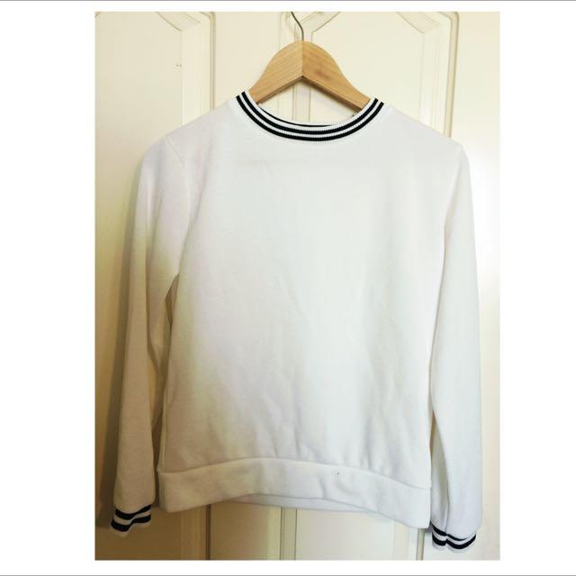韓製 || 雙條紋 白色針織上衣