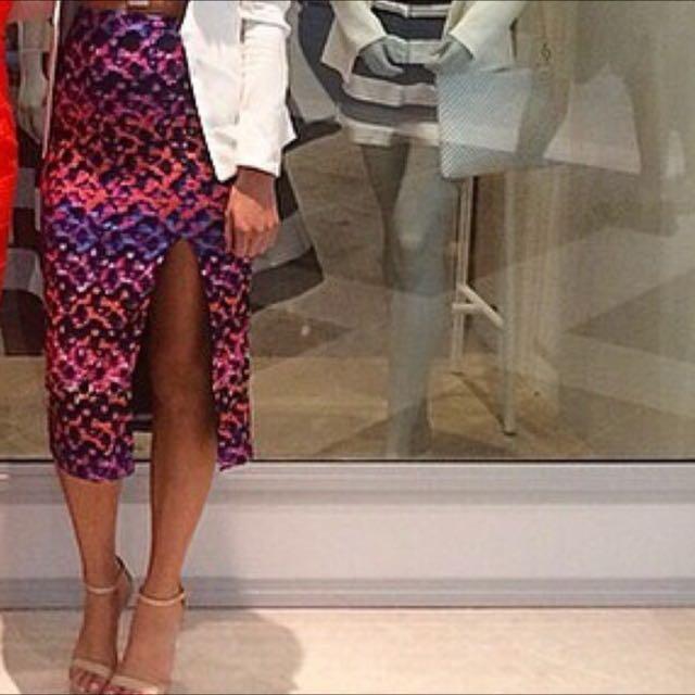 a0d381014f Kookai 'Riva' Longline Midi Skirt, Women's Fashion on Carousell