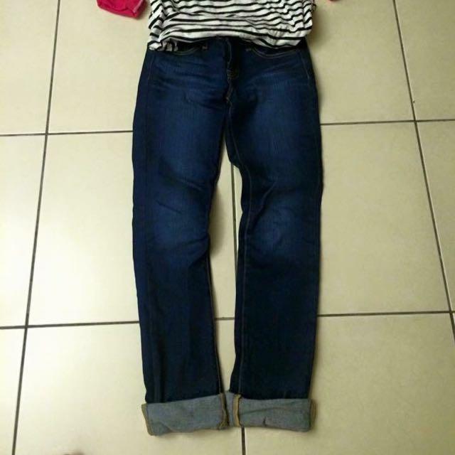 ✅日本超夯品牌UNIQLO深藍色鬼洗貓抓直統牛仔長褲28寸低腰