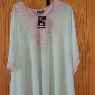 (SOLD) BNWT Chic Chiffon Kaftan Blouse in Mint with Intricate Pink Embroidery