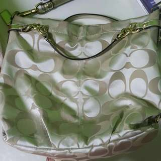 **PRICE REDUCED**[Preloved] COACH Monogram Beige Tote