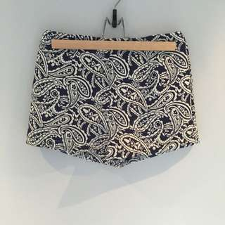 Blue And White Tailored Short Shorts Size 8