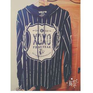 EXO 條紋長袖