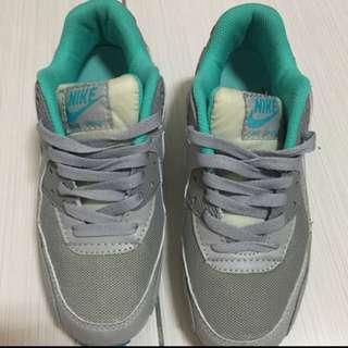 Nike鞋(保留中)