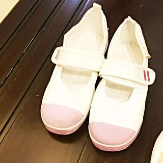 全新日僑中小學專用Moon Star 红白上履(室內鞋)21cm