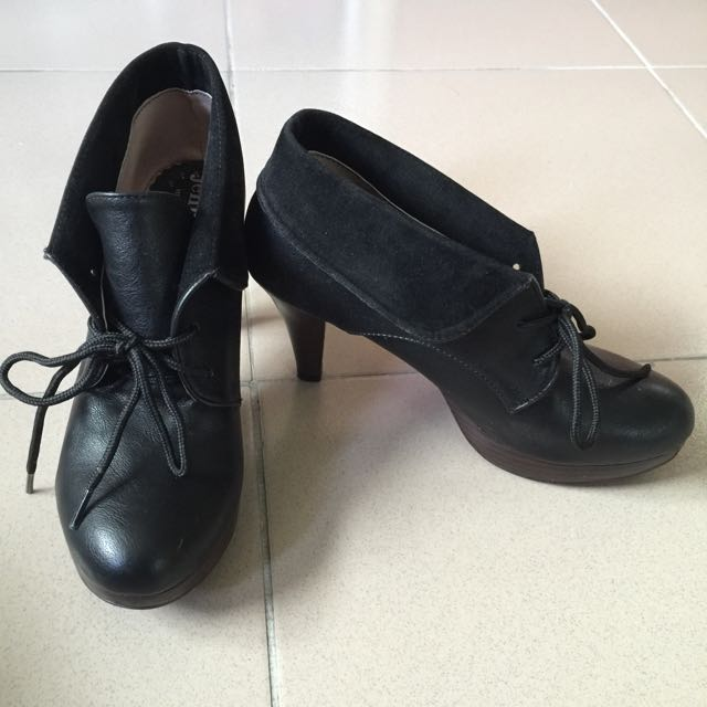 麂皮高跟靴