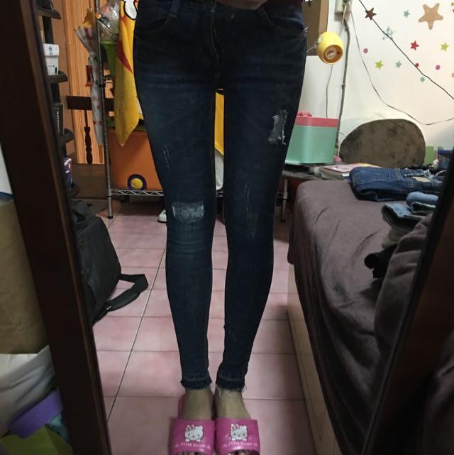 深色造型感牛仔褲