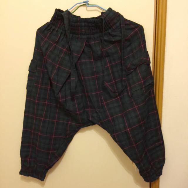 格紋吊帶褲