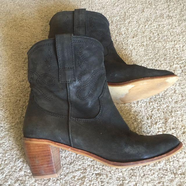 Cowboy Boots Size 39