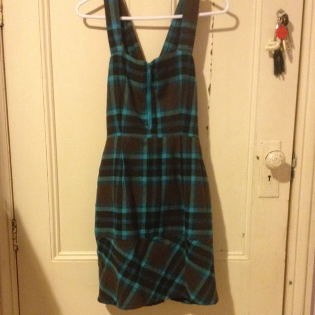 Satu Woolen Dress - Size 8