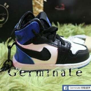 Jordan球鞋吊飾行動電源 騰原浩藍白配色