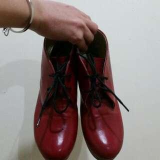 紅色粗根短靴