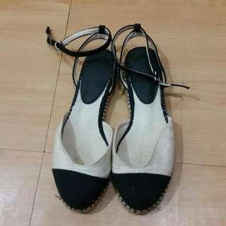 韓款米黑繫帶平底涼鞋