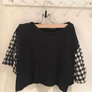 Black Tshirt Crop