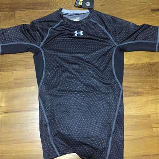 Brand New Size S Black Under Armour Compression Shirt